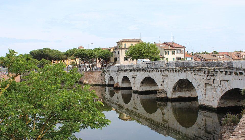 ponte di tiberio a rimini