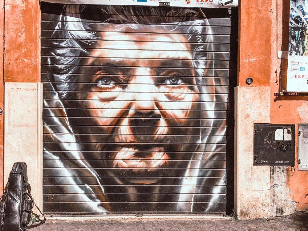 murales a trastevere roma