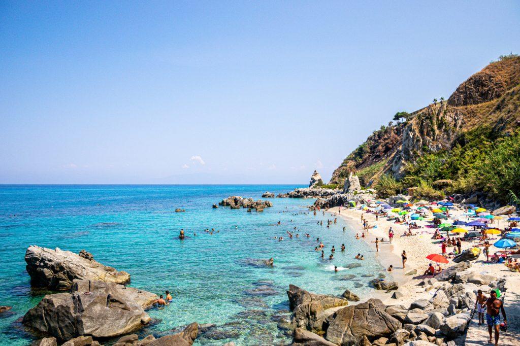 spiaggia di michelino costa degli di